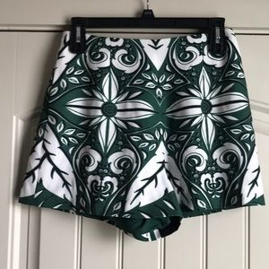 ☆ Fun print shorts!! ☆ Finders Keepers ☆